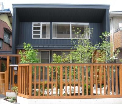 南側外観 (M邸ー終の住処として二つの庭を持つコートハウス)