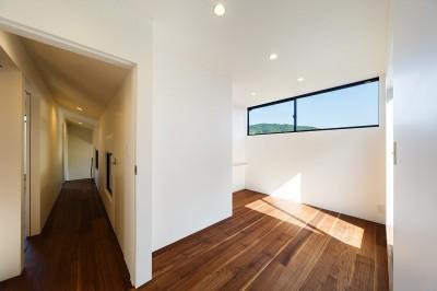 寝室 (haus-agit/人里離れた眺めの良い場所に佇む爽快なアジト)