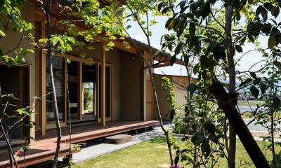 お庭から|眺望とお庭を楽しむ|火のある暮らしを楽しむ住まい 天理の家