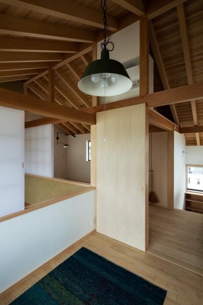 2階:子供室から (眺望とお庭を楽しむ|火のある暮らしを楽しむ住まい 天理の家)