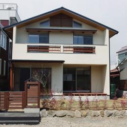 小田原の家=神奈川県 海風が通り抜ける吹抜けと大黒柱の家 (外観)