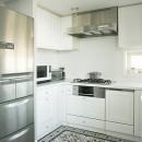 K邸の写真 シンプルかつ個性的なキッチン