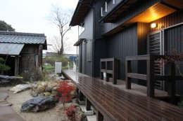 伏見の家 (中庭・デッキ)