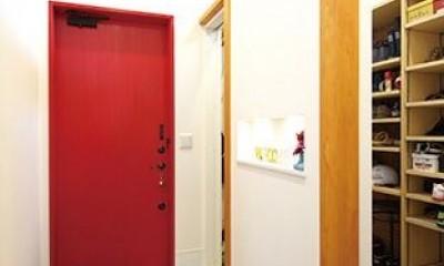 間取りや素材も全て希望通りに デザイン設計+注文住宅の魅力満載 (玄関)