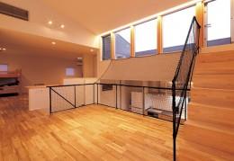 快適と予算もデザインされた 建築士と建てた5層の家 (リビング)