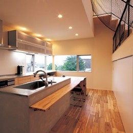 快適と予算もデザインされた 建築士と建てた5層の家 (ダイニングキッチン)