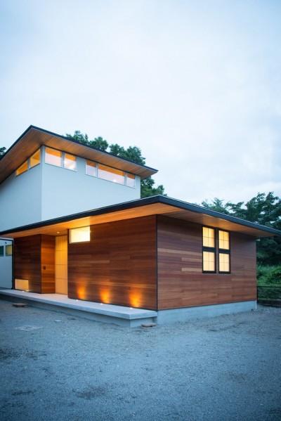 施主さんと建築士の感性が美しい大人の住まいを実現 (外観)
