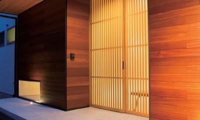施主さんと建築士の感性が美しい大人の住まいを実現 (玄関)