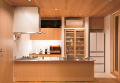 キッチン (施主さんと建築士の感性が美しい大人の住まいを実現)