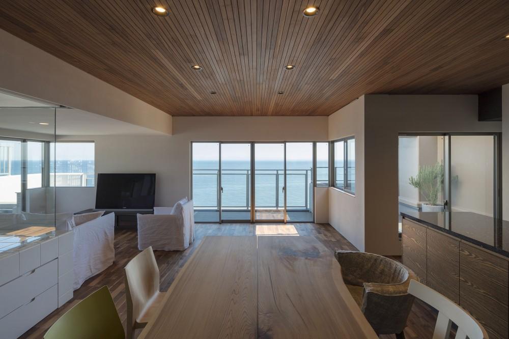 NOMA/桑原淳司建築設計事務所「海沿いのマンション最上階のフルリノベーション」