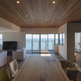 海の見える気持ちのいいLDK (海沿いのマンション最上階のフルリノベーション)