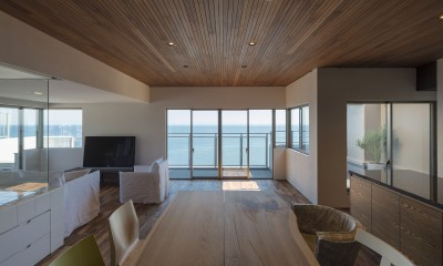 海沿いのマンション最上階のフルリノベーション