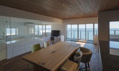 海沿いのマンション最上階のフルリノベーション (海の見える気持ちのいいLDK)