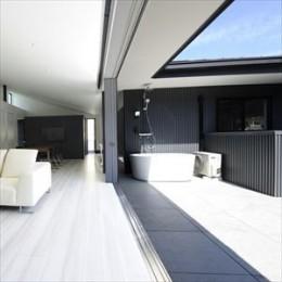 コートテラス (大開口窓から自然を楽しむ家)