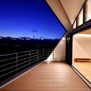 久保田典明「高台に臨む開放感あふれる家」