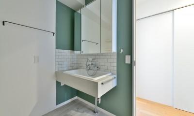 サニタリールーム|キッチンが中心の2LDK+書斎。料理が楽しくなるリノベーション
