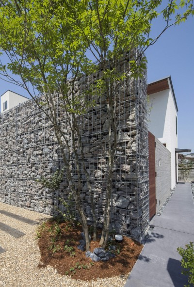 高砂の家 (玄関へ続くアプローチ)