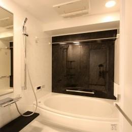 鮮やかカラーをアクセントに◇メゾネットマンションリフォーム (バスルーム)