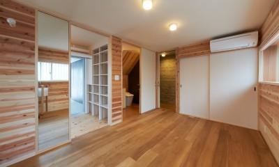 寝室|スキップフロアの家
