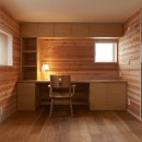 スキップフロアの家の写真 寝室+書斎