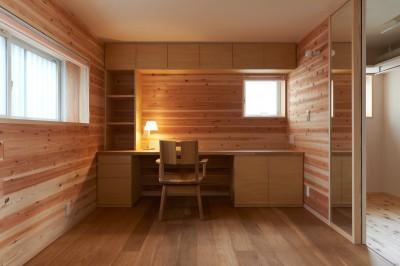 寝室+書斎 (スキップフロアの家)