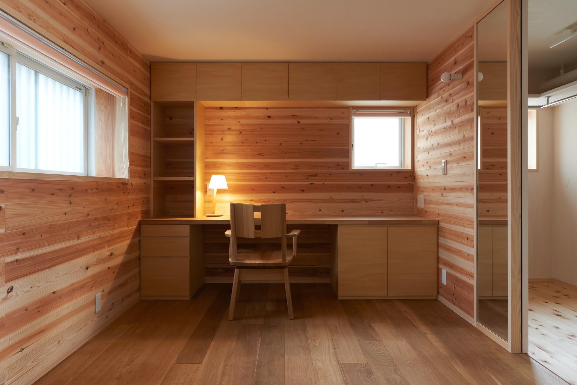 書斎事例:寝室+書斎(スキップフロアの家)
