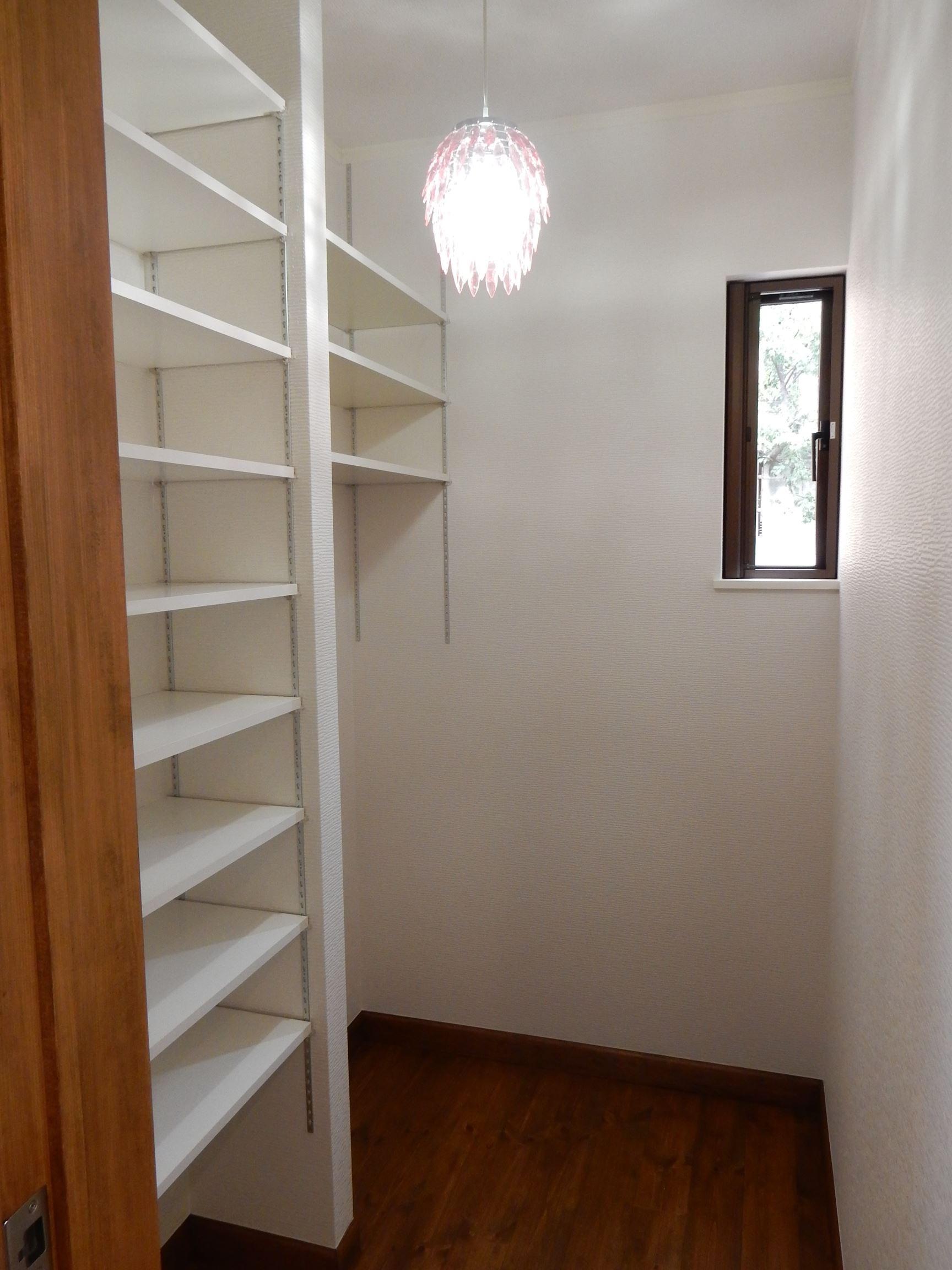 その他事例:奥様の趣味の部屋、洋裁や小物創りを楽しむ空間(古材を蘇らせた光と風の片流れの家)