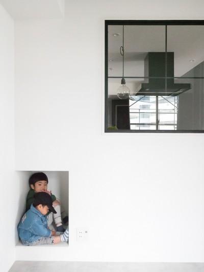 寝室 (ホワイト×グレーの個性派キッチンのローコストリノベーション)