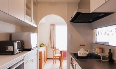 シンプルで木の温もりを感じるお家 (キッチン)