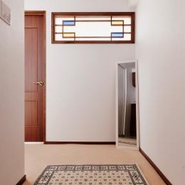 廊下 (シンプルで木の温もりを感じるお家)