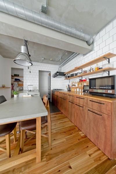 キッチン (懐かしいのに新しい、ノスタルジックな家)
