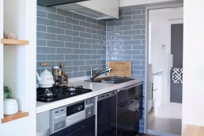 キッチン~洗濯機~洗面~バス (愛猫もうれしい、住み替えなしのリノベーション。20年来の我が家をグッと快適に。)