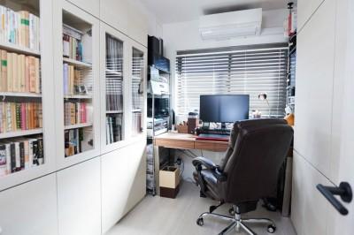 仕事部屋 (愛猫もうれしい、住み替えなしのリノベーション。20年来の我が家をグッと快適に。)