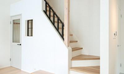 リビング階段|シンプルにおしゃれに暮らす塩系インテリア「imai-segeo」