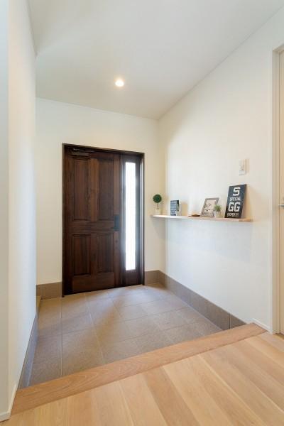 玄関 (シンプルにおしゃれに暮らす塩系インテリア「imai-segeo」)