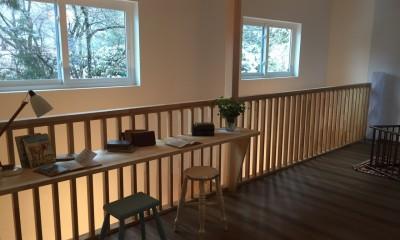 廊下|オープンハウスでのアンティーク家具・雑貨コーディネート〜高原の中の家〜