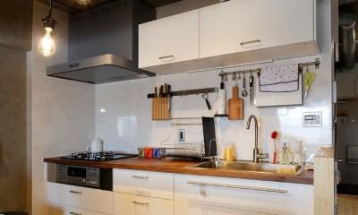 猫と暮らす無垢フローリングの家 (こだわりのIKEAのキッチン)
