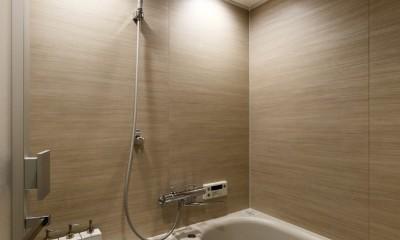 上質キッチンが映えるシンプル&モダンな空間 (バスルーム)