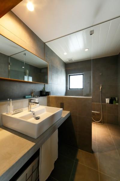 洗面台 (中古戸建を、木と土間とアトリエがあるシンプル空間に)