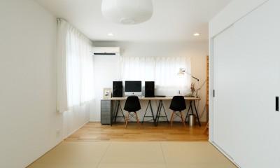 中古戸建を、木と土間とアトリエがあるシンプル空間に (モダンな和室)