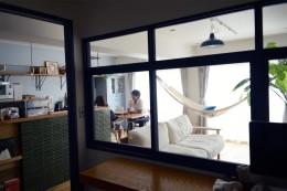 『a continue』 ― 「これから」を描く部屋 (ワークスペース室内窓)