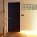 『a continue』 ― 「これから」を描く部屋の写真 寝室ドアと玄関