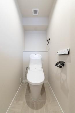 ハンモックのある部屋 (トイレ)
