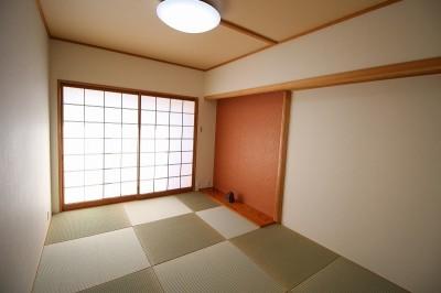 色で楽しむ和室 (壁紙で楽しむ内装リフォーム 飽きのこないシンプルカラー)