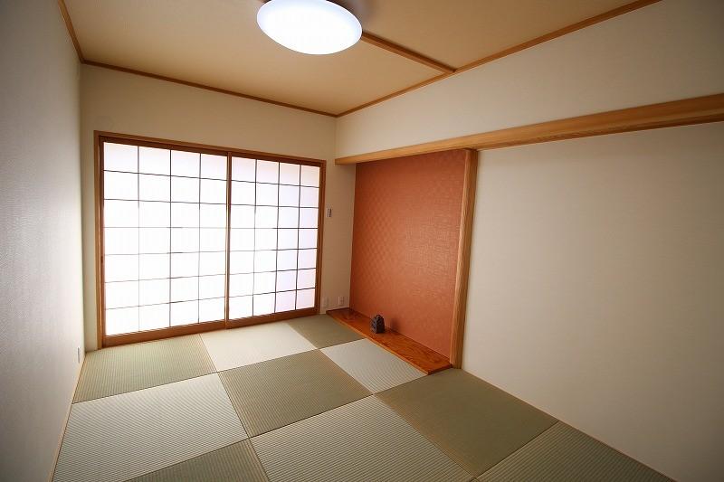 壁紙で楽しむ内装リフォーム 飽きのこないシンプルカラー (色で楽しむ和室)