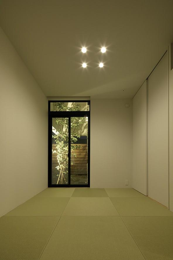 ソト部屋ウチ庭の家 (和室)