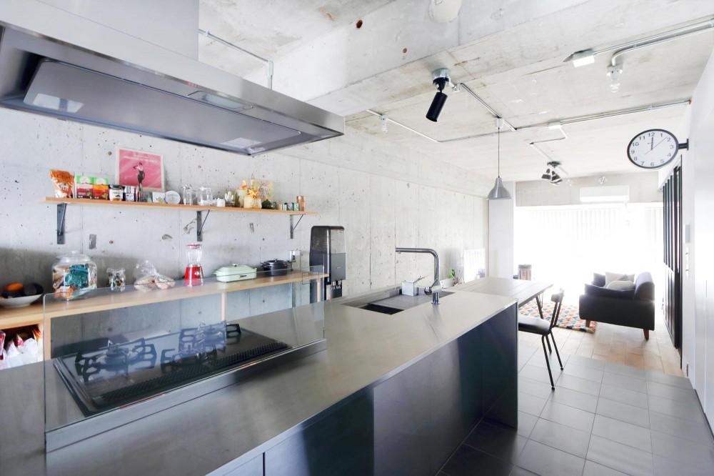 開放感が溢れるラフ空間 (キッチン)