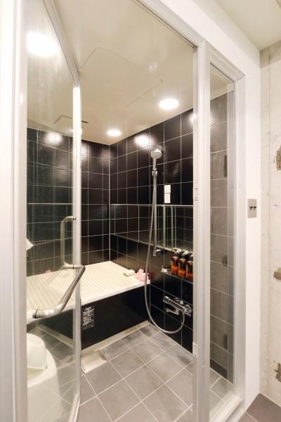 バスルーム (開放感が溢れるラフ空間)