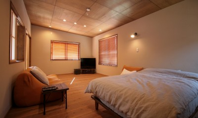 自然素材に囲まれた個性豊かな終の住処 (寝室)