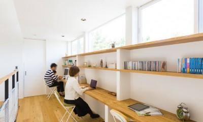 Kolmio - 三角屋根が特徴的な平屋みたいな2階建て (書斎)